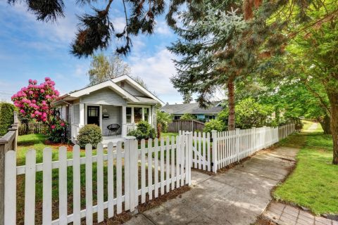 Picket fence Sydney that can make your home so perfect!